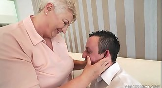 Chubby mom licking her lover'_s asshole